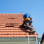 ремонтируем черепицы на крыше