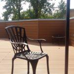 стул на террасе